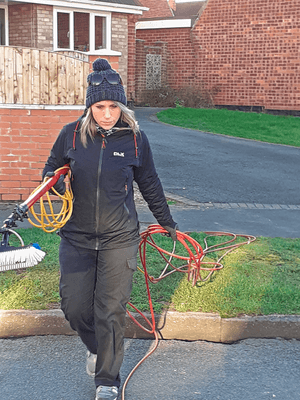 Professional-female-window-cleaner-west-bridgford